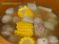 《輕鬆煮》清爽香甜的『玉米排骨湯』