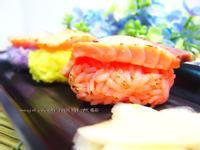 分饗熟成盬麴鮭魚彩米炙壽司