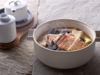 鮭魚骨海帶芽豆腐味噌湯