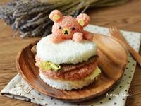 拉拉熊愛吃米漢堡