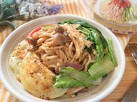 川辣雞絲麵沙拉「小七食堂」