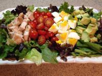 雞肉、酪梨生菜沙拉