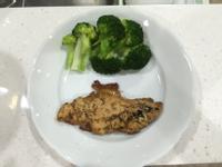 [減肥食譜] 誰說無味!雞胸排餐