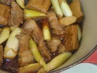 一鍋搞定晚餐-古早味茭白筍豆干滷肉