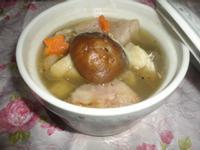 電鍋料理:芋頭香菇雞湯