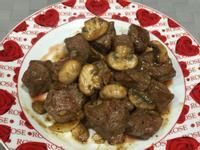 蘑菇黑胡椒牛排