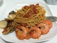 幸福肥人妻料理—海鮮滿滿紅醬義大利麵