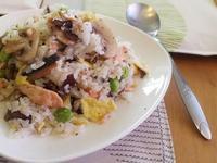 迷迭香蘑菇鮭魚炒飯