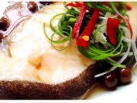 清蒸鱈魚佐樹子醬