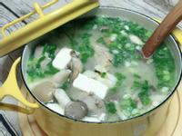 鮪魚豆腐菇菇味噌湯