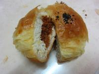 ♥我的手作料理♥ 起酥肉鬆麵包