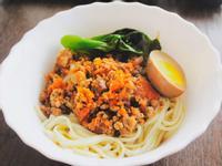 健康好吃不油膩的紅蘿蔔肉燥 拌飯拌麵