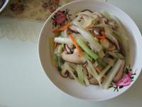 西芹炒鮮菇