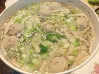 《不加鹽就很美味》虱目魚金針菇湯