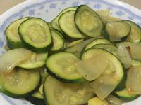 洋蔥炒櫛瓜