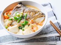 鮭魚頭豆腐湯