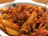 用蕃茄泥簡單煮蕃茄肉醬義大利麵