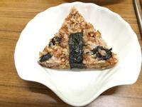 日式海苔芝麻五穀米飯糰