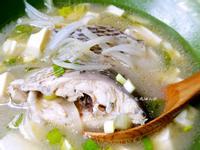 洋蔥味噌鯛魚湯