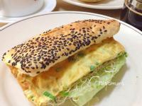 葱蛋芝蔴燒餅