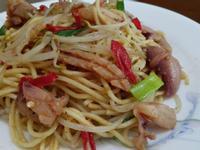 沙茶魷魚炒麵
