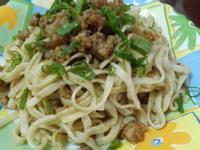 肉燥麻醬麵