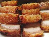 皮脆肉嫩的脆皮燒肉