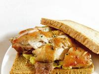 迷迭香雞佐美式炒蛋三明治