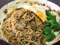黑胡椒蘑菇鐵板麵-五木拉麵