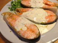 鮭魚排佐優格蒔蘿醬