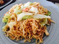 蟹肉棒高麗菜炒麵