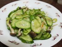 小黃瓜炒脆菇