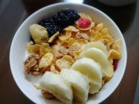 簡易優格水果早餐杯