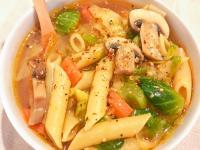 一鍋到底快速晚餐! 蘑菇蔬菜義大利麵湯