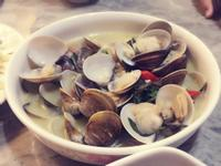 超簡單料理的「酒蒸奶油蛤蜊」