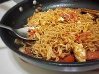 蕃茄炸醬炒泡麵