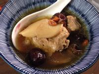 海馬蛤蚧藥膳牛蒡雞湯-升級版(做月子)