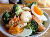 鮮蝦花椰蛋沙拉