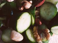 《俠飯》快速懶人料理-小黃瓜堅果