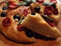 夏日蕃茄橄欖佛卡夏麵包
