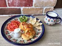 優格蔥香玉米洋蔥培根鮪魚麵包🍅🥝🍌