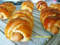 香腸辮子熱狗捲麵包 簡易。家常烘焙。早餐