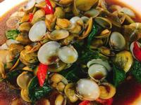 餐桌上的人妻料理*蠔油炒蜆仔。