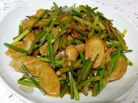 【炒韭菜花麵腸】簡單不失敗,營養價值高。