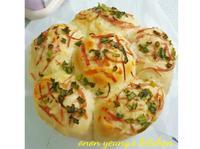 起司培根香蔥衛星麵包 家常烘焙。早餐