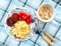 杏仁鬆餅炒蛋早餐