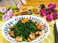 水蓮炒雞肉(小磨坊蒜香風味油)