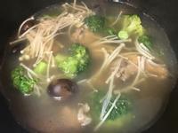 鮮菇肉骨茶湯
