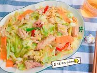 高麗菜魷魚意麵😋