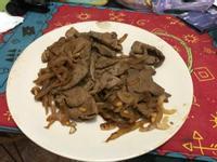 洋蔥炒牛肉片